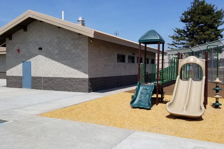 santa-cruz-rountree-outside-play-area1